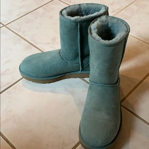 Ugh Classic Short II Boot in Sea Green